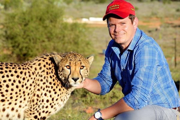 Golden Cheetah金豹鮮果品牌經理Pieter Marais先生與金豹合影